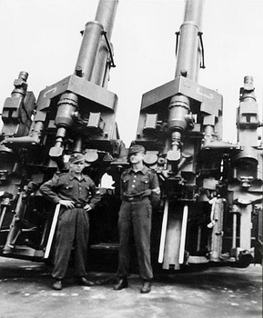 12.8 cm FlaK 40 Zwilling.jpg