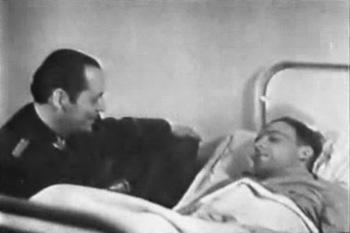1945. Rudel convaleciente en el hospital de la amputación de su pierna derecha.jpg