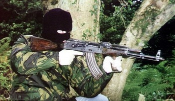 AK47_IRA member in the 1990s.jpg