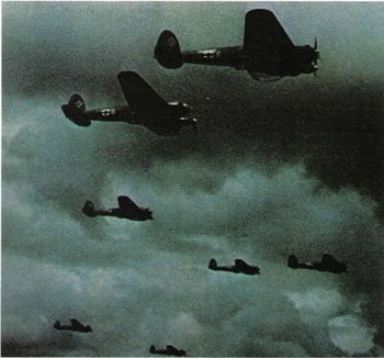 A_formation_of_Heinkel_He_111.jpg