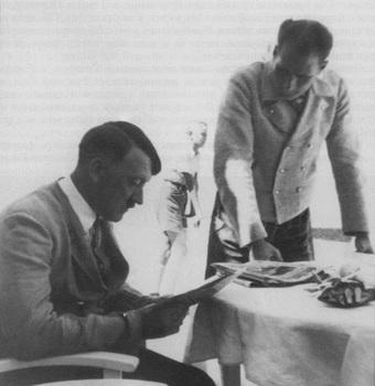 Adolf Hitler&Rudolf Hess.jpg