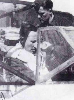 Aircrew-Luftwaffe-pilot-SS-Obergruppenfuhrer-Reinhard-Heydrich.jpg