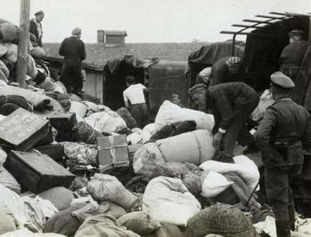 Auschwitz_Canada.jpg