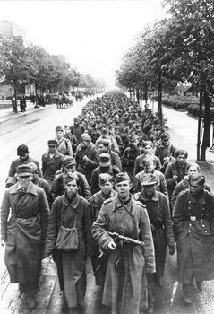 Berlin, German prisoners of war.jpg