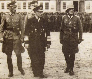 Canaris & Von Hippel, inspect a Brandenburger unit.jpg