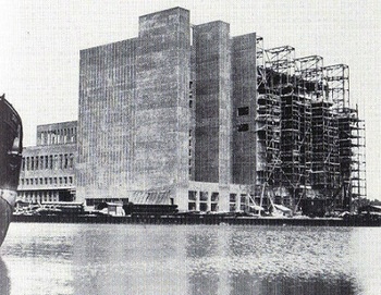 Construction of the power plan complex at Wolfsburg.jpg