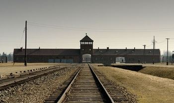 Death Gate_ auschwitz.jpg