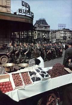 Einmarsch deutscher Truppen in Brüssel 1940.jpg