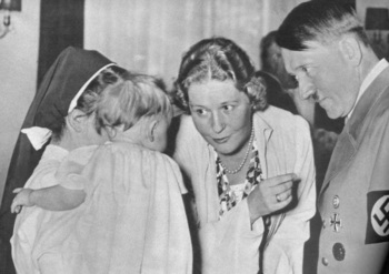 Emmy Göring with Adolf Hitler.jpg