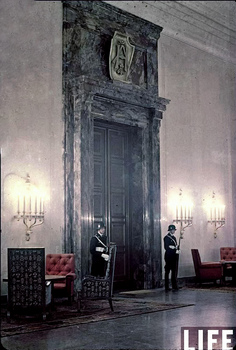 Entrance to Hitler's office, the Chancellery.jpg