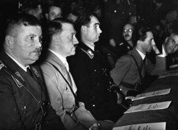 Ernst Röhm, Adolf Hitler, Rudolf Heß, Joseph Goebbels und Wilhelm Frick.jpg