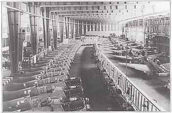 Flughafen Tempelhof, Bau der Ju87 Stuka & FW190.jpg