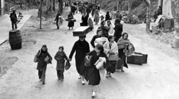 French Refugees Flee Paris.jpg