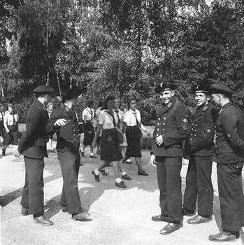 German sailors flirting with a group of BDM.JPG