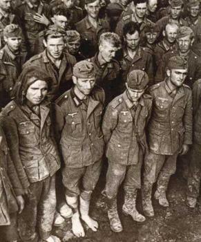 GermanPOWsRussia1944.jpg