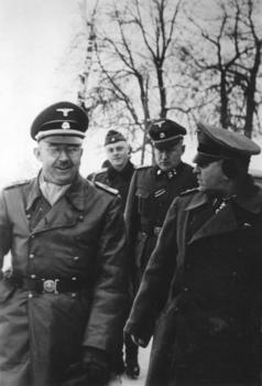Heinrich_Himmler_und_Theodor_Eicke.jpg