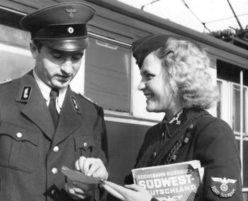 Helferin de la Deutsche Reichsbahn.jpg
