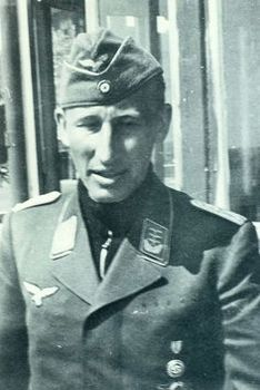 Heydrich in his Luftwaffe uniform.jpg