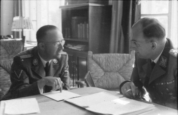 Himmler und Daluege.jpg