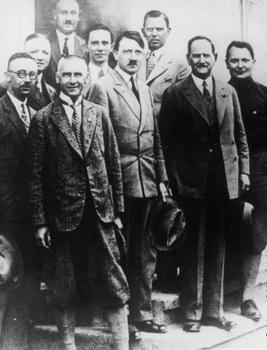 Himmler,Goebbels,Schaub,Göring,Hitler in 1925.jpg