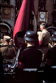 Hitler receives the salute of the columns, Nuremberg 1938.jpg