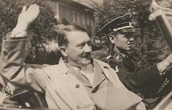 Hitler_in_car_Erich Kempka.jpg