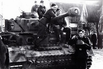 Hohenstaufen   Panzer IV.jpg