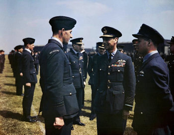 King_George_VI_visits_No_617_Sqn_RAF.jpg