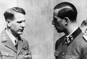 Leonard Conti und Hitlers Begleitarzt Karl Brandt.jpg