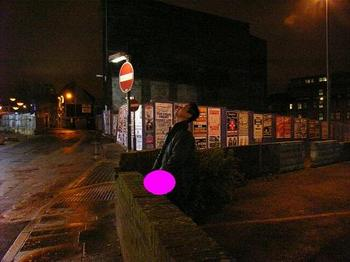 Liverpoolの街角でガマンできなかったヴィトゲンシュタイン.JPG