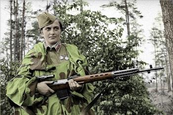 Lyudmila Pavlichenko SVT-40- Soviet sniper.jpg