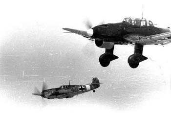 Messerschmitt_Me_109_und_Junkers_Ju_87.jpg