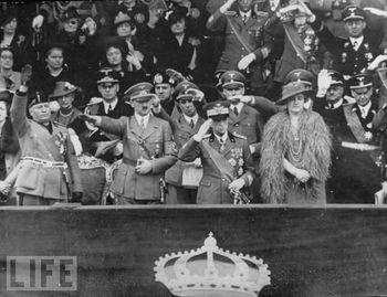 Mussolini, Hitler, Vittorio Emanuele III e la regina Elena.jpg