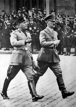 Mussolini_a_Hitler_-_Berlín_1937.jpg