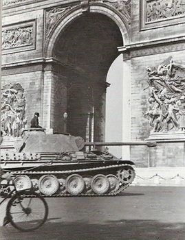 Panther_Paris_1944.jpg
