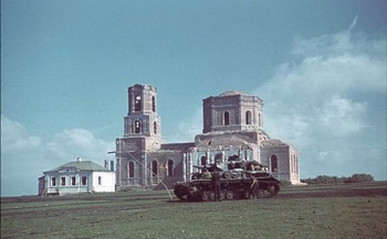 Panzer IV in front of damaged church. Near Stalingrad, September, 1942..jpg