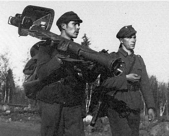 Panzerschreck Finnish antitank patrol.jpg