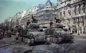 Paris,_Parade_deutscher_Panzer.jpg