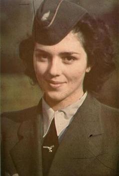 Queen of Luftwaffenhelferin.jpg