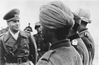 Rommel_mit_Soldaten_der_Legion__Freies_Indien_.jpg