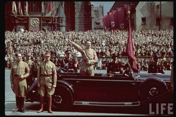 Rudolf Hess is Viktor Lutze i  Hitler.jpg