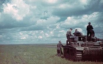 Russland, Panzer III in Steppe.jpg