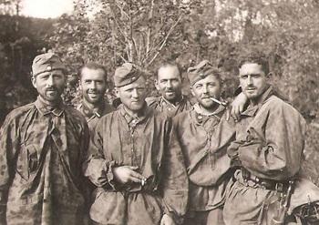 SS-Totenkopfdivision Im Kessel von Demjansk.jpg