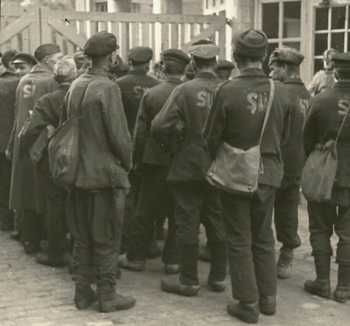 SU on the back of Soviet forced labourers.jpg