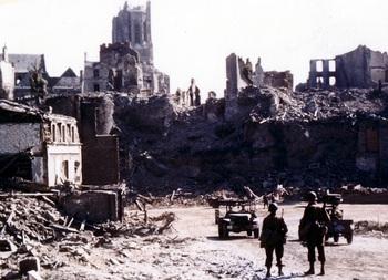 Saint-Lô_1944.jpg