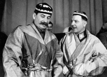 Stalin_and_Voroshilov.jpg