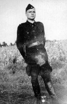 Treblinka Ukrainian guard.jpg