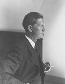 Walter Schellenberg5.jpg