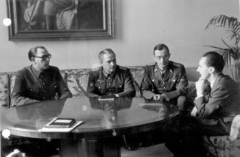 Wlassow_und_Schilenkow_bei_Goebbels.jpg