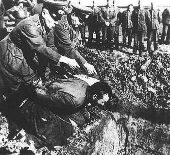 einsatzgruppen-brutal-germans-nazi-death-squads.jpg